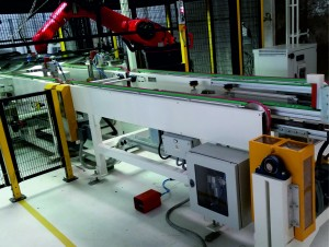 ROBOTIC_EXTRUSON_PU_ARROUND_WINDSHIELD_IOCCOSRL