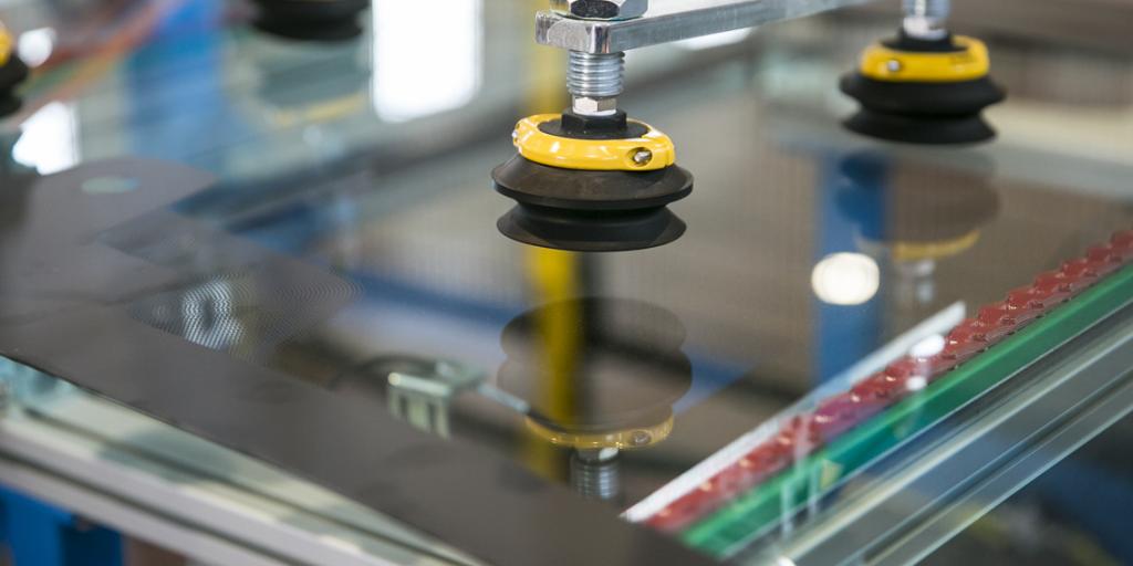 automotive glass processing machine